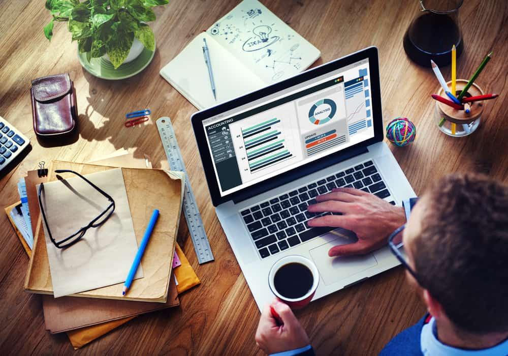 Perbedaan Software Akuntansi Offline dan Online untuk Bisnis